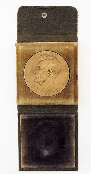 Abraham Lincoln Centennial Medal / Sold
