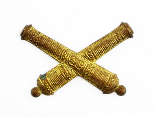 False Embroidered Civil War Officer's Crossed Cannon Insignia