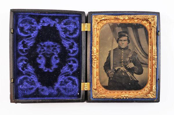 ¼ Plate Tintype of Union Cavalryman
