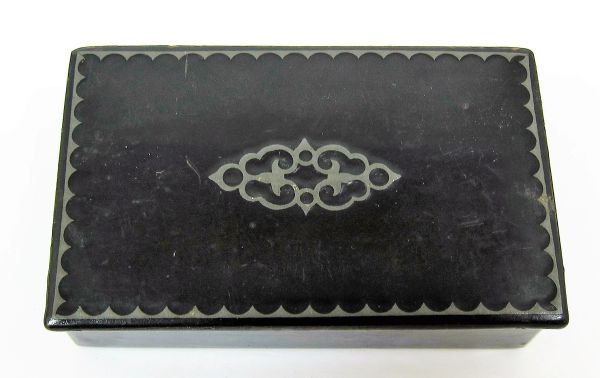 Lacquer Paste Board Snuff Box