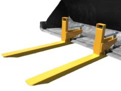Clamp to bucket pallet forks