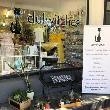 Dulwitches. Gift store located in Linden Park, SA. Stockist of 2Girls&Me soy candles and melts.