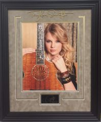SALE! Taylor Swift 11x14 photo framed with autograph replica