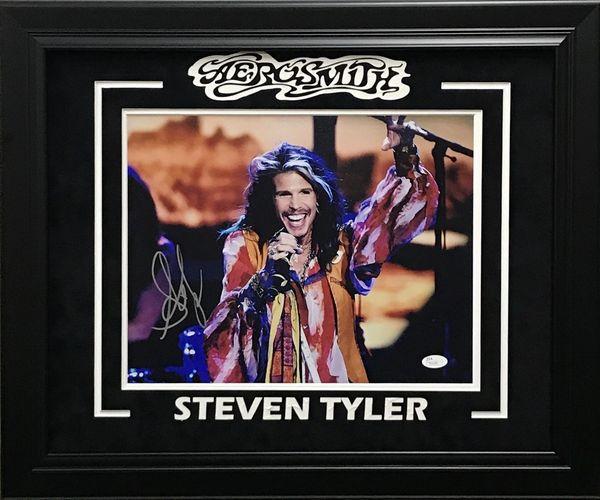 STEVEN TYLER AEROSMITH SIGNED 11X14 PHOTO