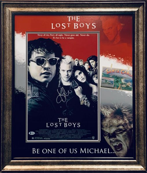 KIEFER SUTHERLAND SIGNED THE LOST BOYS 11X17 MOVIE POSTER