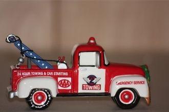 Department 56 Village Service Vehicle AAA Tow Truck 56.54949