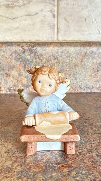 Goebel M.I. Hummel Little Wishes Just Rolling Along 465314
