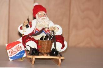 Clothtique Possible Dreams Santa Collectible Figurine 3606