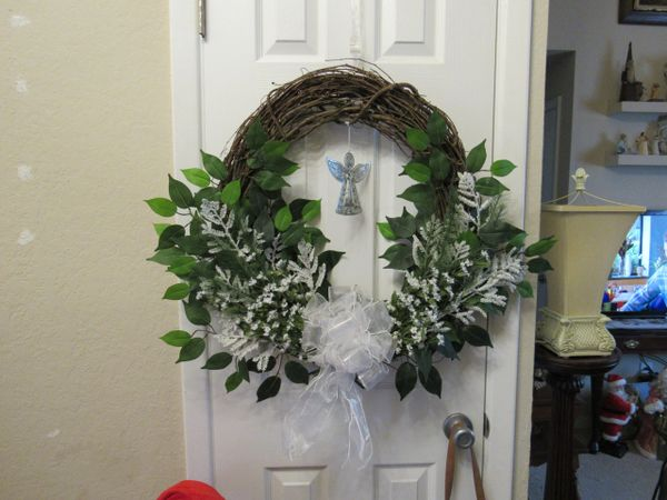 Wreath - Green and White Christmas