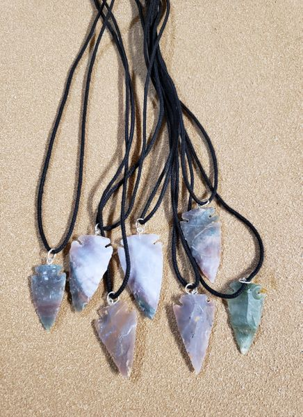 "Handmade Arrowheads Necklace 1 1/2"" - 2"""