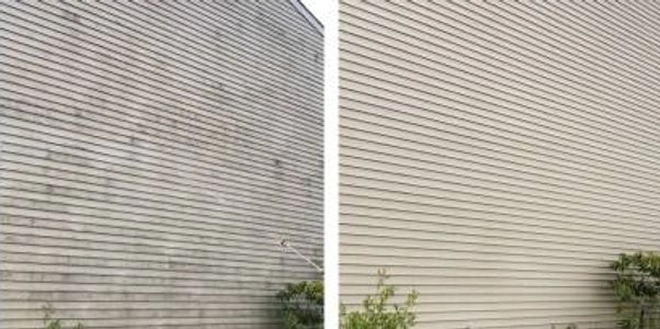 Power wash siding, power washing company near me, House washing services, get my siding power washed