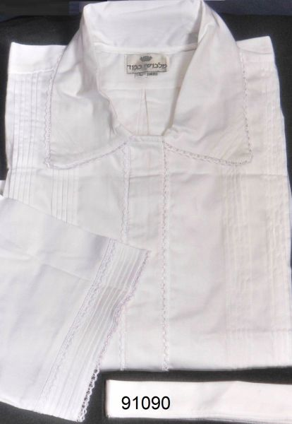 FULL CUSTOM DESIGNED KITTEL WITH PLEATS AND LACE / KITTEL 91090 W&W FABRIC 100% COTTON, 1/3'' LACE, FULL TUCK