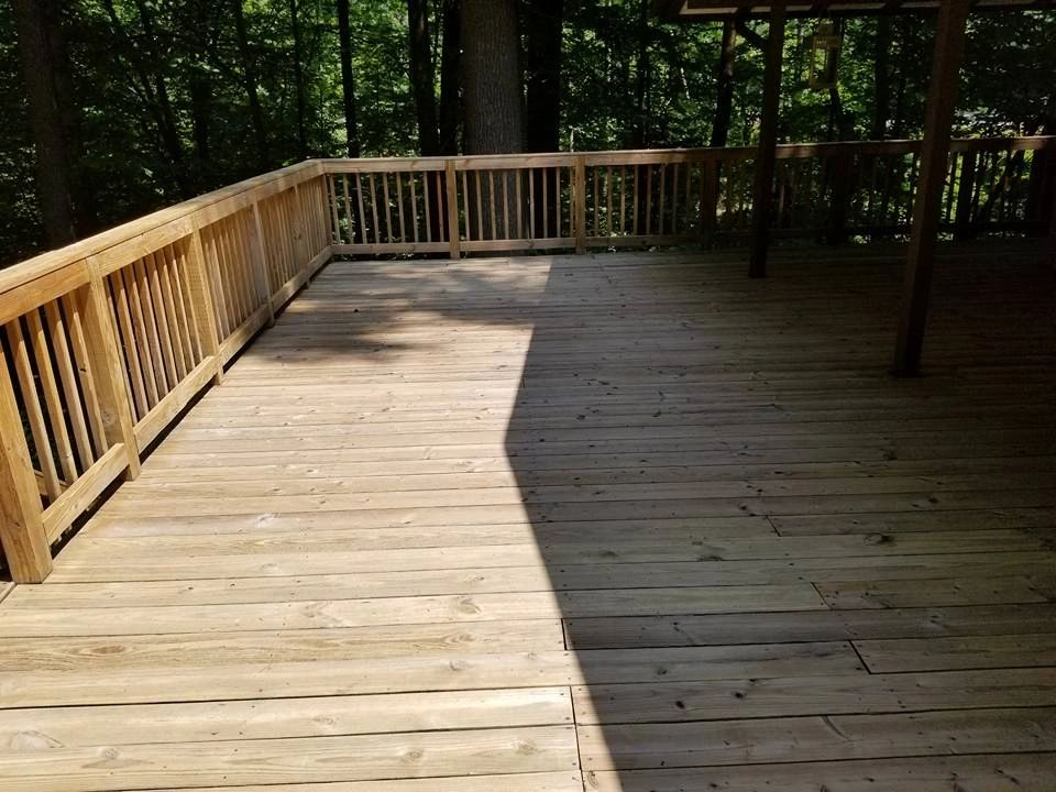 Wood deck pressure wash Columbia Maryland. Wood deck power washing Columbia Maryland. Wood restore.