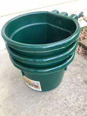 Over fence feeder buckets