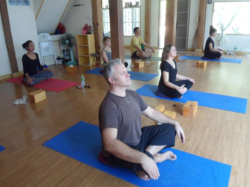Yoga and Meditation Chiang Mai Thailand. Body and Mind Healing Yoga Beginners course. Yoga Chiangmai