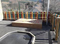 Sandpit with 4 x lid sections