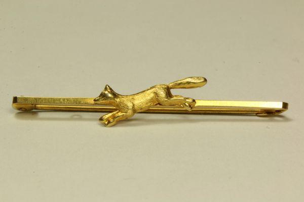 Gold running fox stock pin