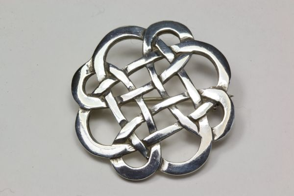 Silver Celtic knot stock pin