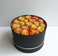 Hat box of roses