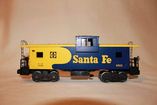 Santa Fe Extended Caboose 6903