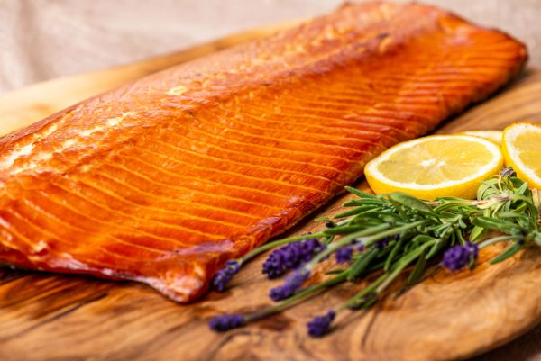 Smoked and ready-to-eat Scottish side of salmon (minimum weight 1 Kg)