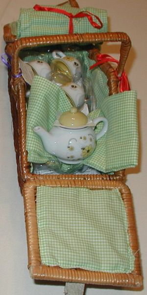 Little girl tea set Busy Bee