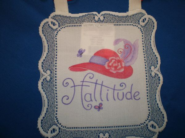 Red Hat Small lace hanging