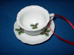 Mini Ornaments Holly Tea cup