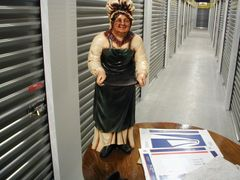 Tea Lady Statue