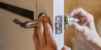 Handyman Services, Lock and Knob repairing Dubai