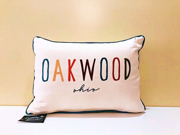 Little Birdie - Oakwood Pillow