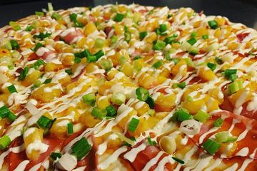Hawaiian drizzled pizza