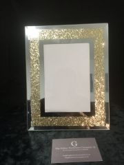 Gold sparkle photo frame, holds 4x6 inch picture