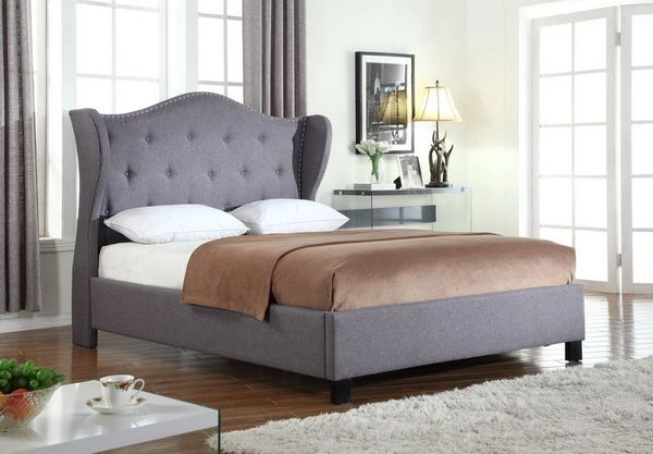 Strange 9700 Qn 1Pc Grey Tufted Platform Bed With Nail Head Trim Caraccident5 Cool Chair Designs And Ideas Caraccident5Info