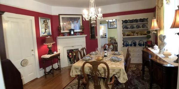 Formal dining Room for Holiday gatherings