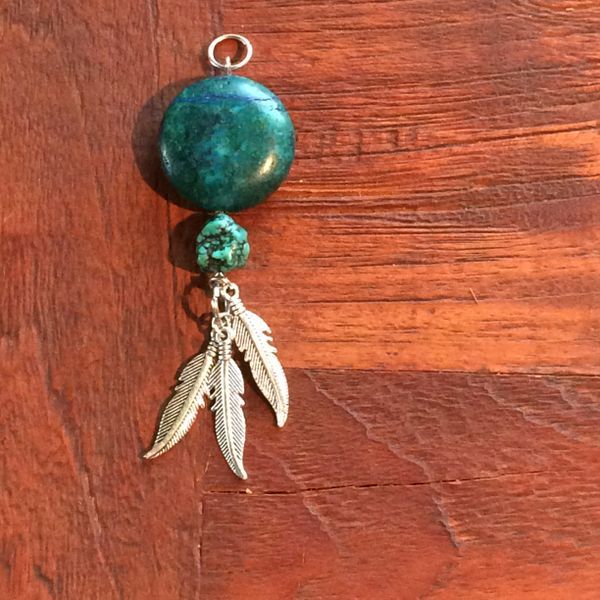 Turquoise disc with three feathers (charm) boho stainless steel necklace