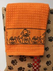 It's the Great Doxie Charlie Brown Dachshund Tea Towel Set