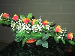 DIAGONAL FLOWER ARRANGEMENT