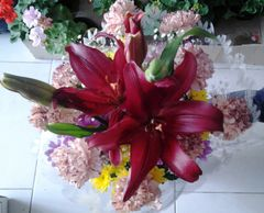 FLOWER BOUQUET WITH LILIUM, CARNATIONS AND CHRYSANTEMUMS