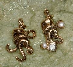 14K Gold Octopus Pendant