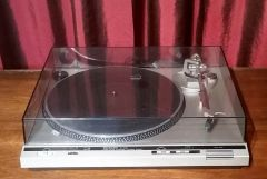 Technics SL-D30 Fully-Automatic Direct-Drive Turntable