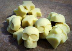 Belfry (skull) & Cosmo (star) Minibars (.25 oz)