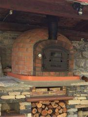 Lisboa Rustic 108cm x 108cm Cast Door Woodfired Piza Oven (Free Pizza Peel & Flue