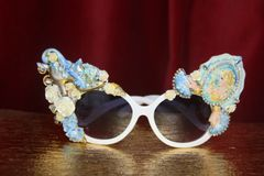 3121 Victorian Funky Hand Painted Shoe Cameo Embellished Sunglasses