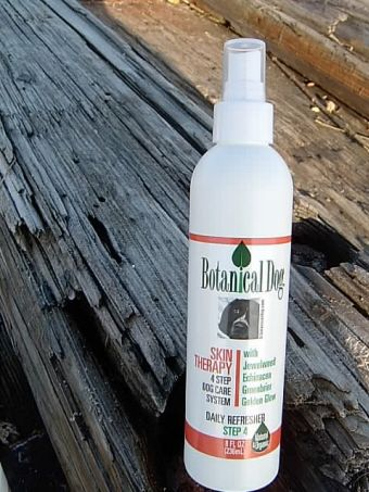 Botanical Dog Skin Therapy Spray with Aloe (8 oz)