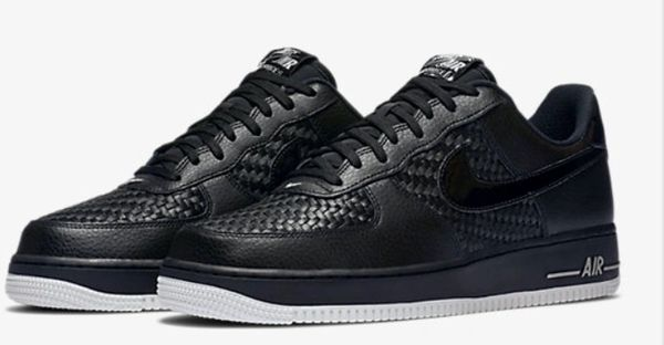 Men's Nike Air Force 1 07 LV8 Black/Summit White & Chrome Sneakers