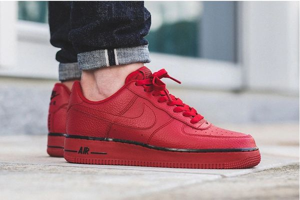 Men's Nike Air Force 1 07 Low Gym Red Sneakers