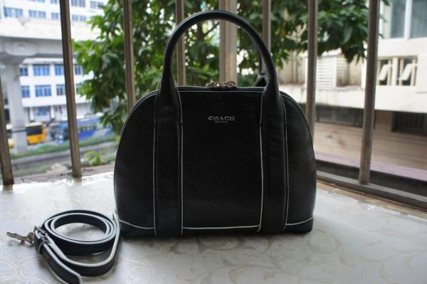 Ladies Coach Solid Handbag 30143