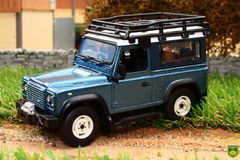Britains Land Rover Defender 90 with Canopy & Accessories - Green 1:32 scale 43217