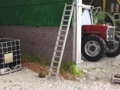 Aluminium 3m Ladder 1:32 scale (MIN029)
